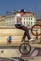 lyon-velo-acrobatique-grand